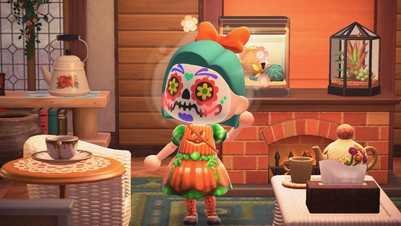 I revisited my pumpkin dresses to detail the colors better and added a lace panel at the back. Also made versions with different faces (default, classic, and creeper!)